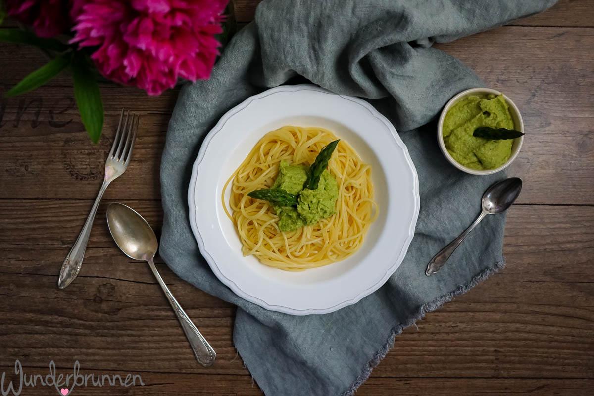 Spargelpesto von oben - Wunderbrunnen - Foodblog - Fotografie