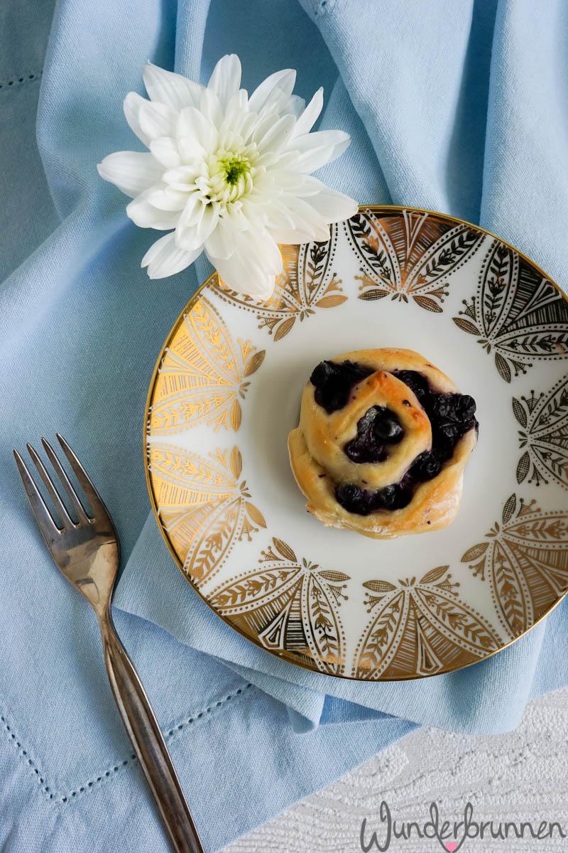 Blaubeer-Hefeschnecken - Wunderbrunnen - Foodblog - Fotografie