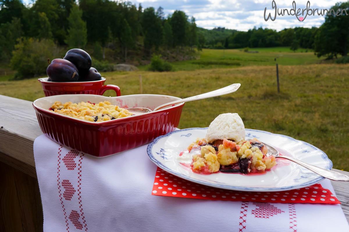Hallo September! Pflaumen-Crumble - Wunderbrunnen - Foodblog - Fotografie