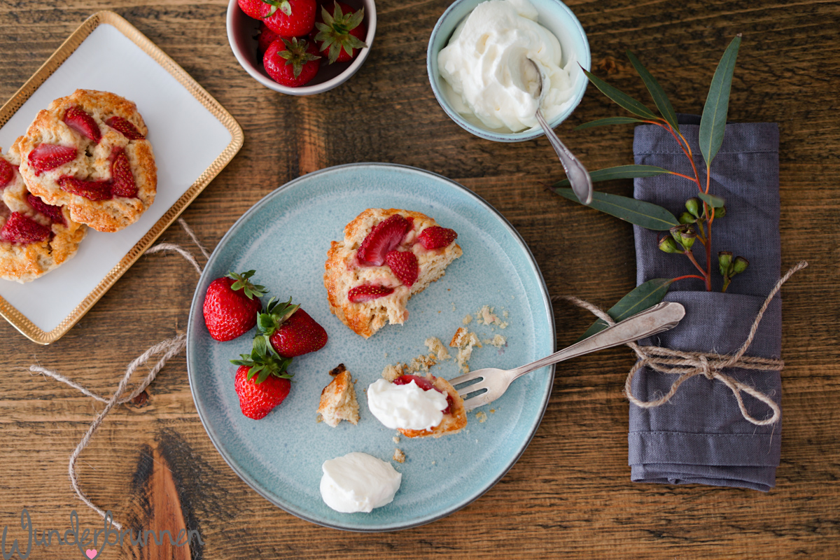 Erdbeer-Scones und Vasen - Wunderbrunnen - Foodblog - Fotografie