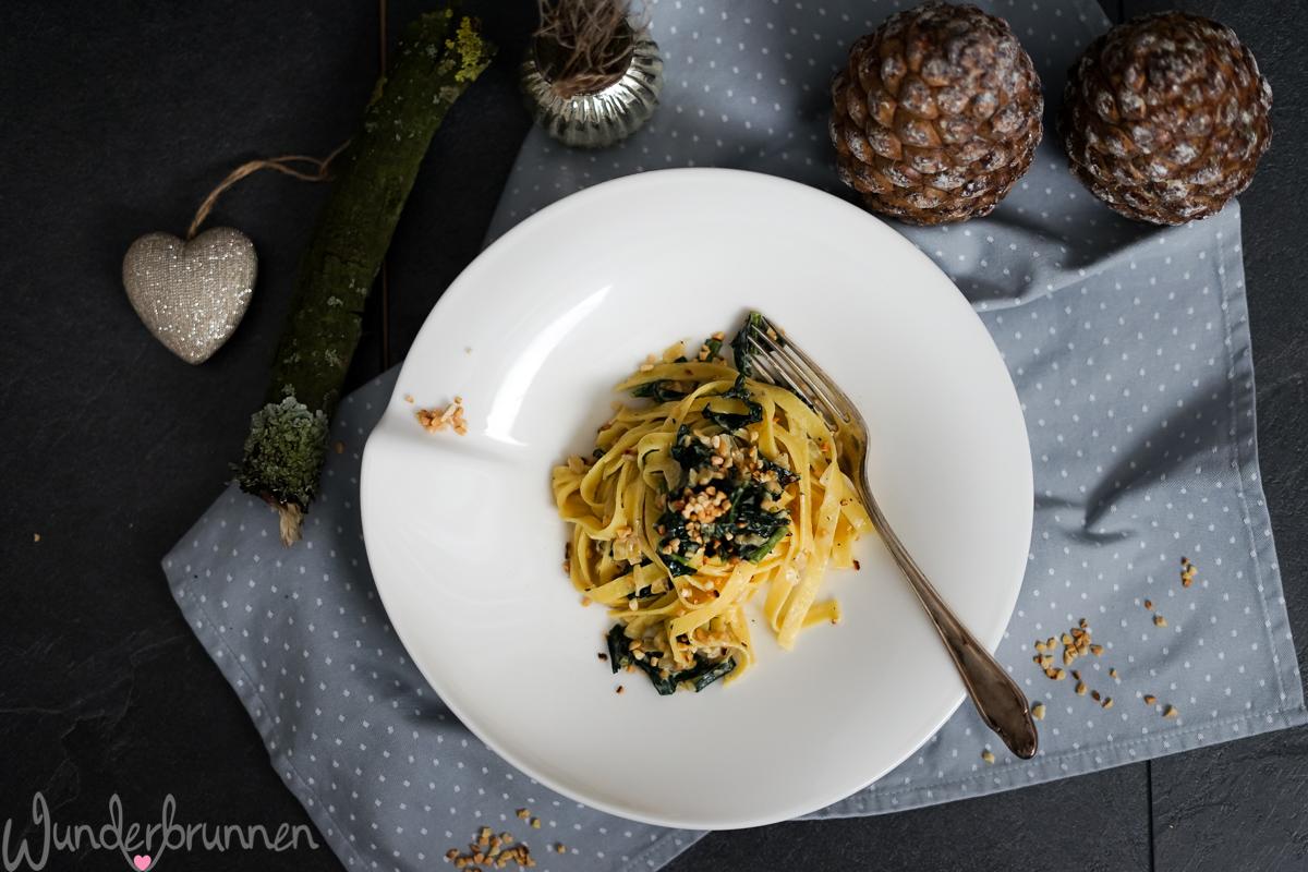 Bandnudeln mit Schwarzkohl - Wunderbrunnen - Foodblog - Fotografie