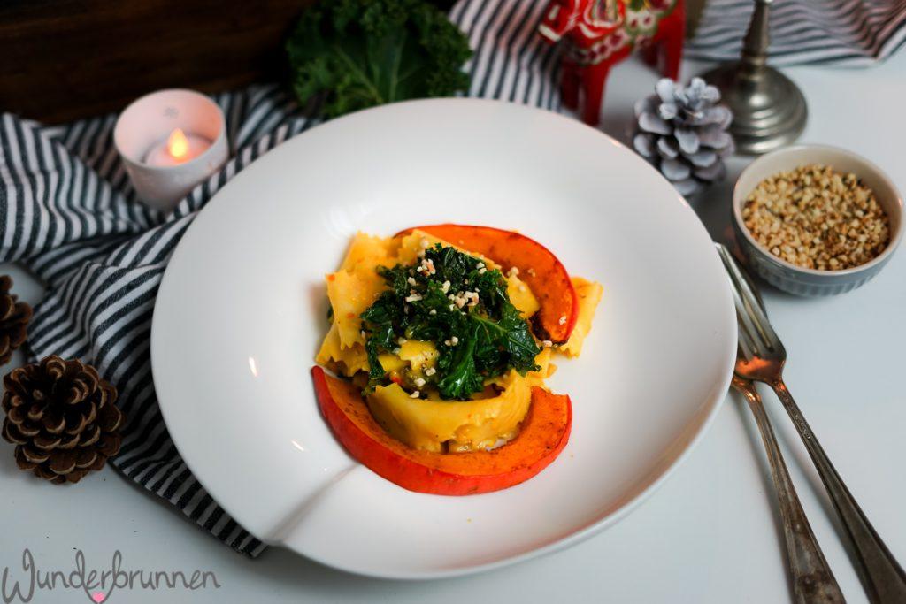Nudeln mit Grünkohl und Kürbis - - Wunderbrunnen - Foodblog - Fotografie