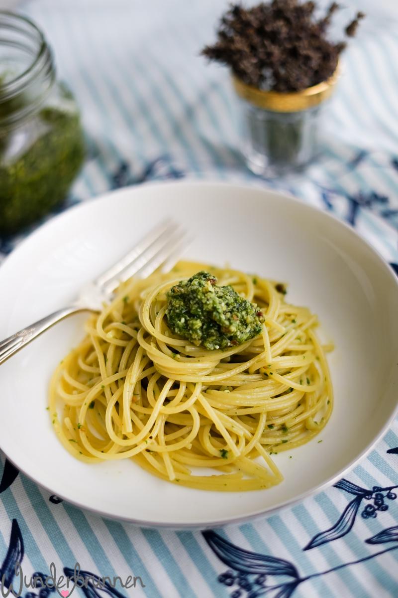 Pesto aus Radieschen-Grün - Wunderbrunnen - Foodblog - Fotografie